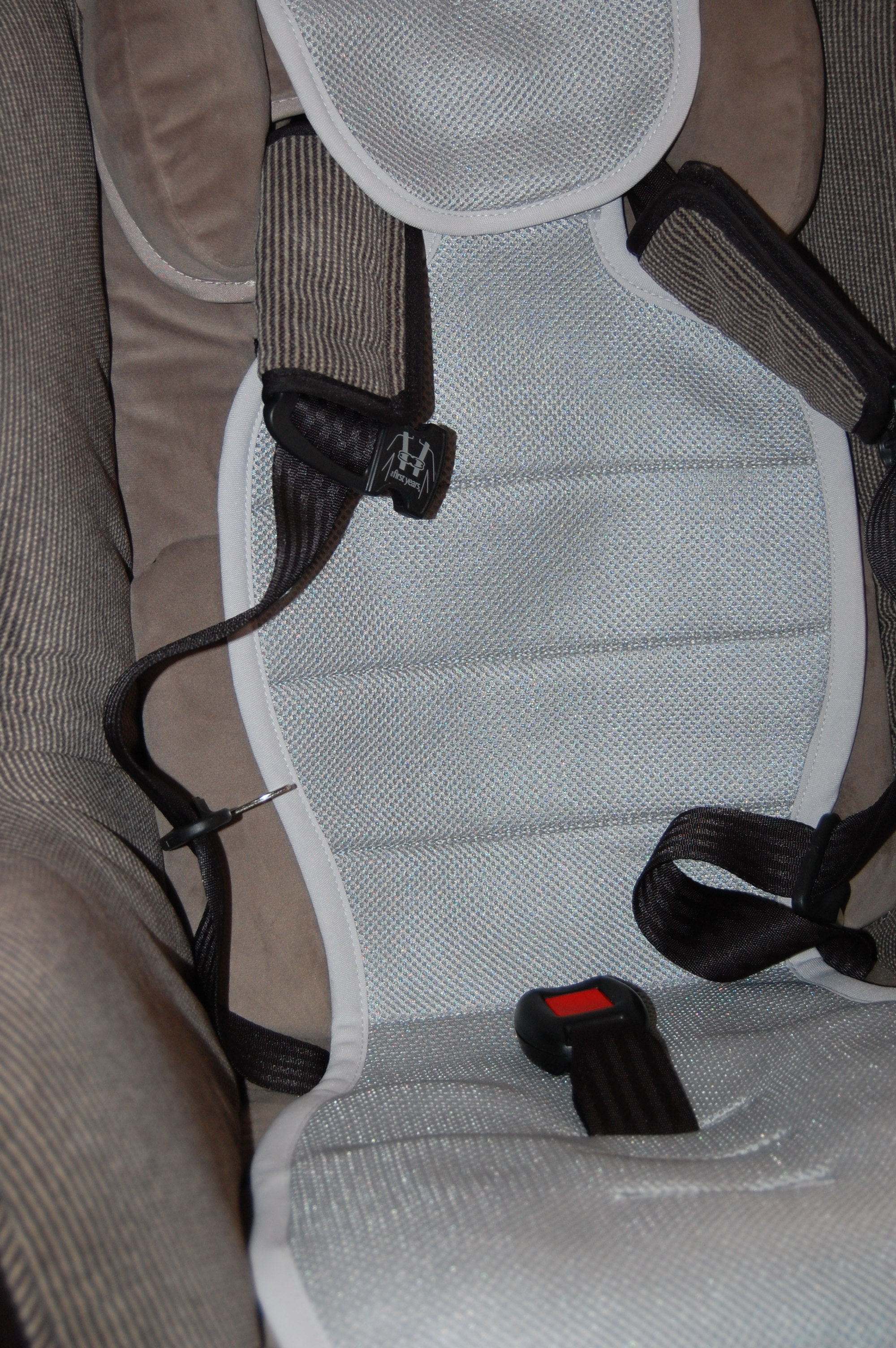 meeno babies car seat liner review and giveaway the children 39 s nook. Black Bedroom Furniture Sets. Home Design Ideas
