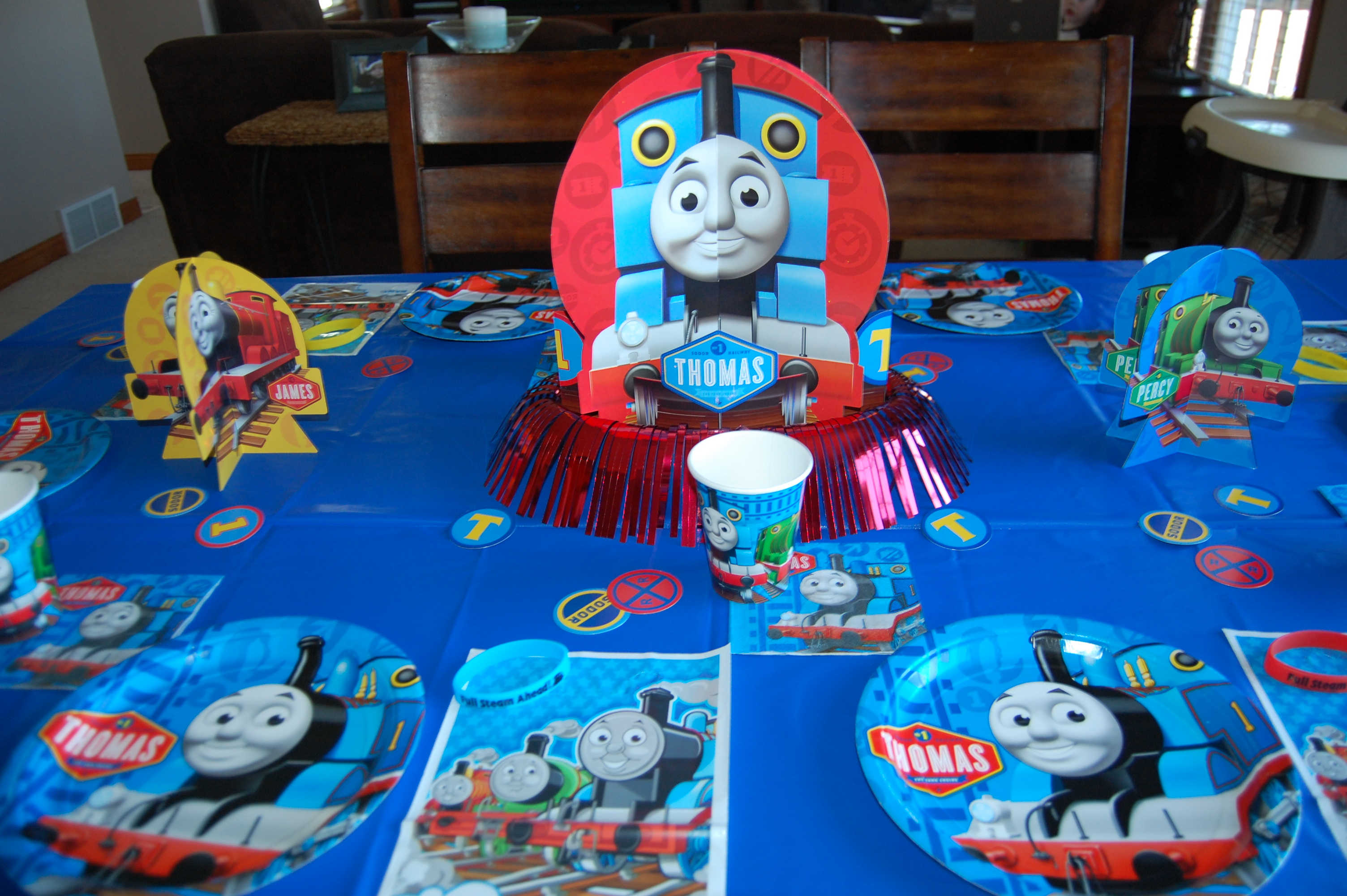 Thomas And Friends Party Decoration